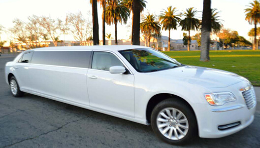 8-Pas-Chrysler-Limousine Valentine's Day Limousine - Why Hire A Limo?