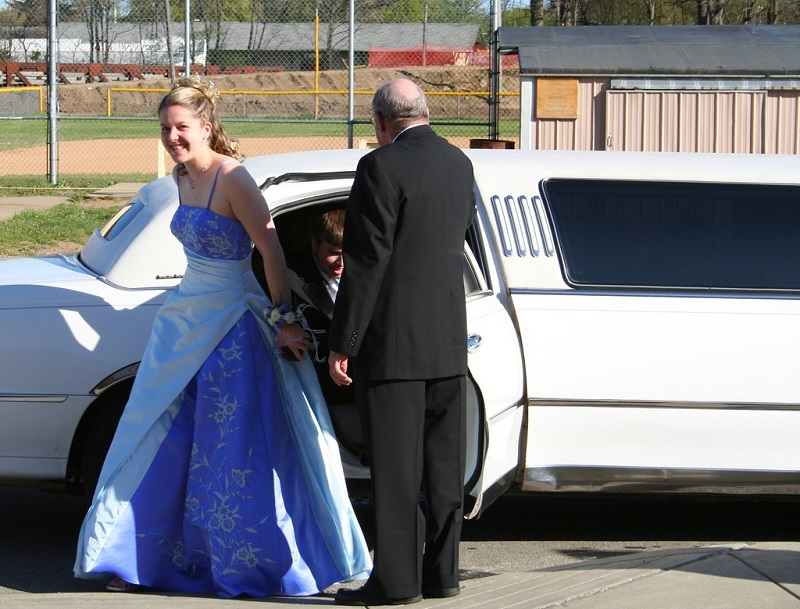 Choose Prom Night Limo