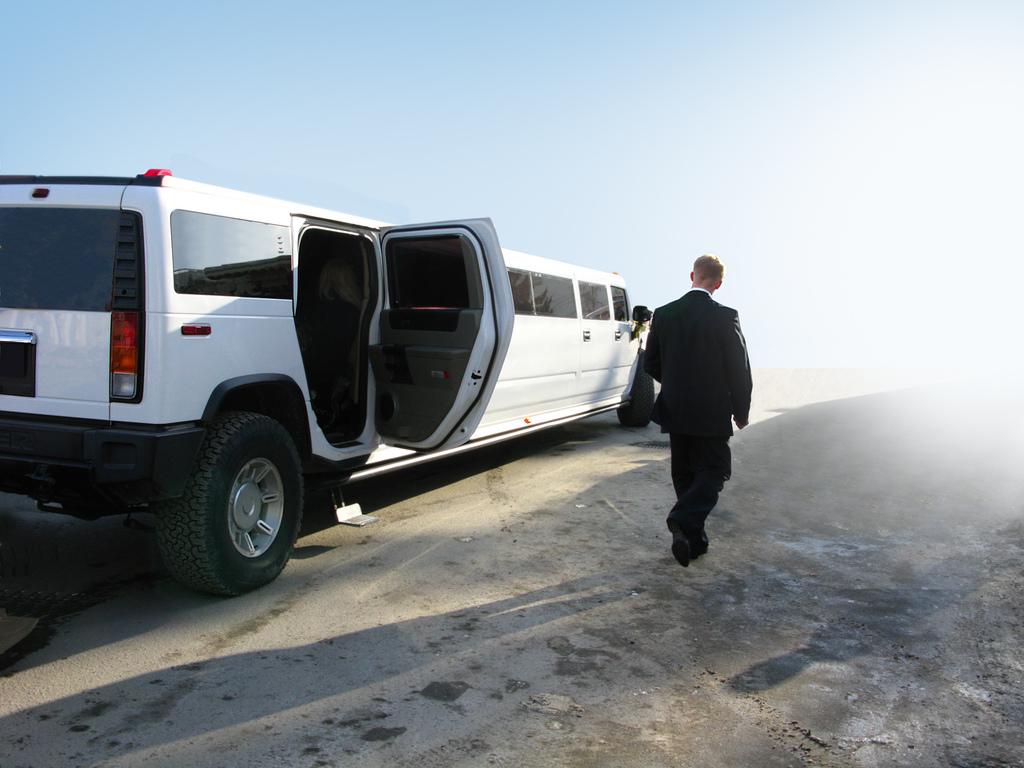The Best Limousine Service Stands Out For These 5 Reasons